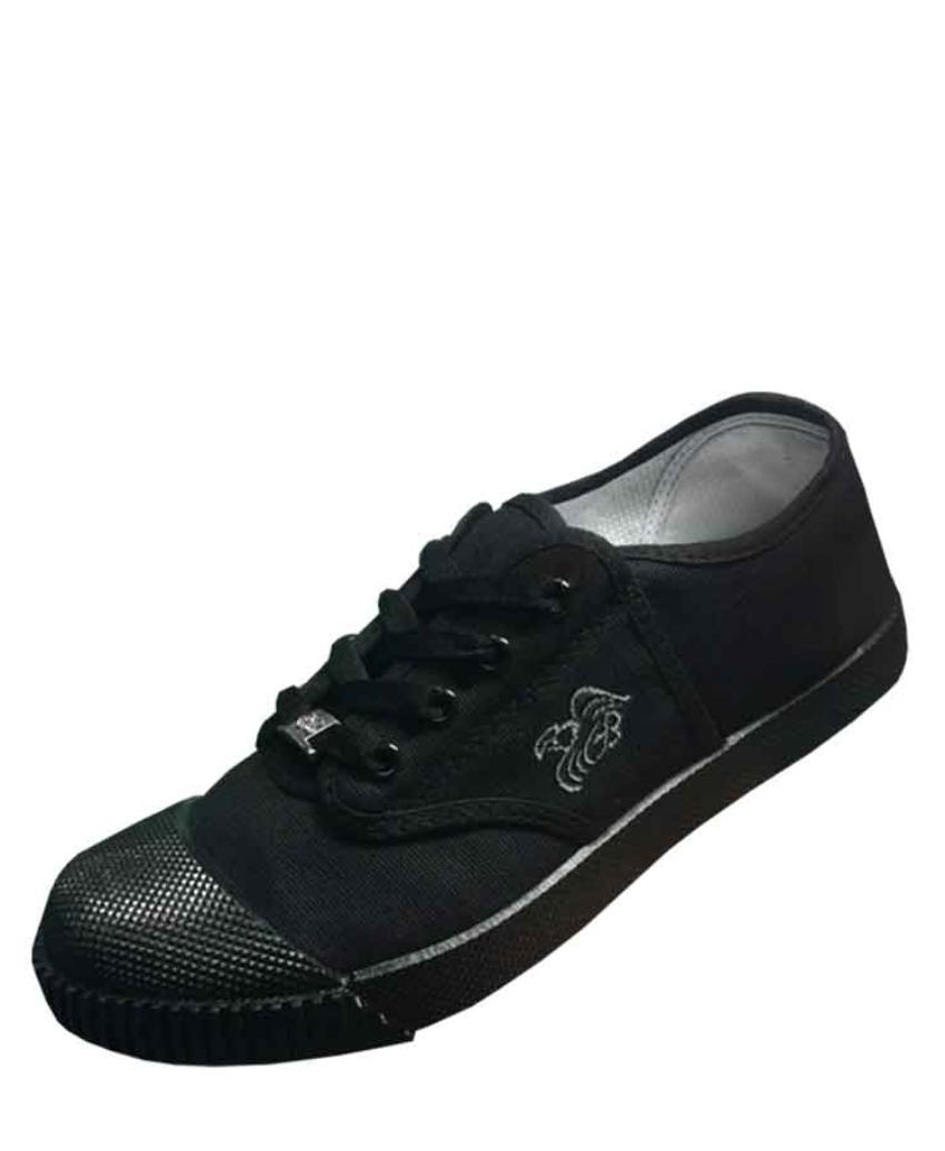 รองเท้านักเรียนผ้าใบสีดำ